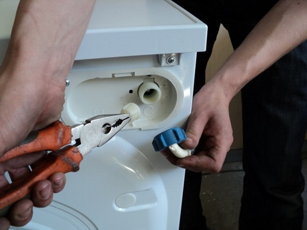 Как быстро почистить фильтр в стиральной машине LG – как выполнять эту процедуру, какая должна быть периодичность, что будет, если не прочищать заливную и сливную системы.