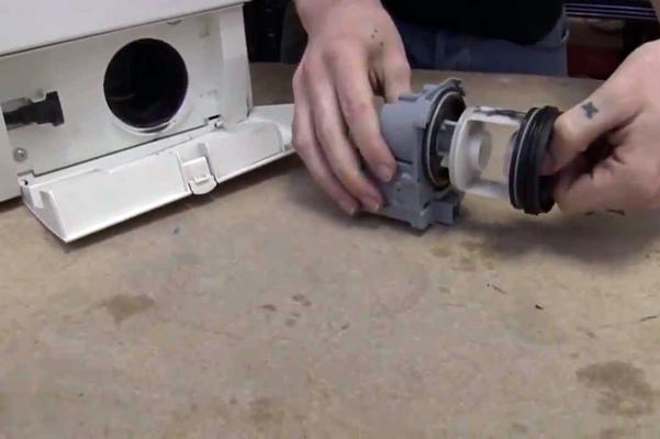 разбор фильтра в стиральной машине Бош