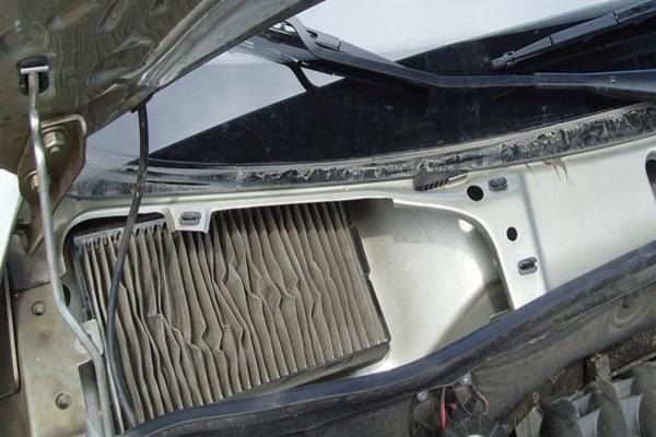 Замена салонного фильтра Lada Vesta
